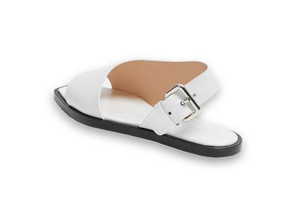 Asymmetric Effect Flat Sandal