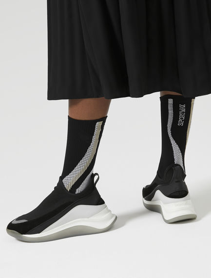 Dynamic Wave Socks