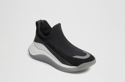 High-performance Futuristic Sneakers