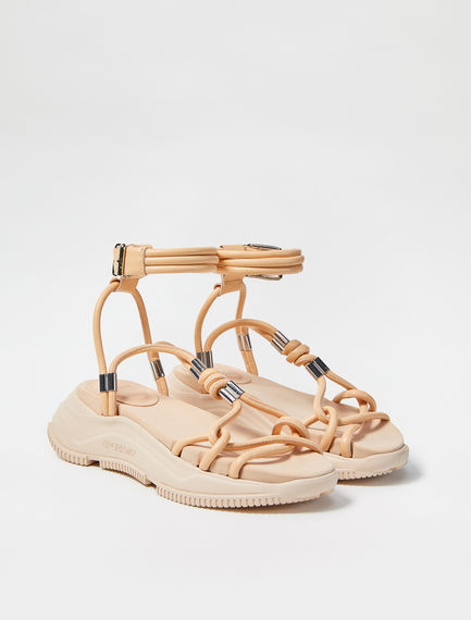 Sandali ibridi in nappa