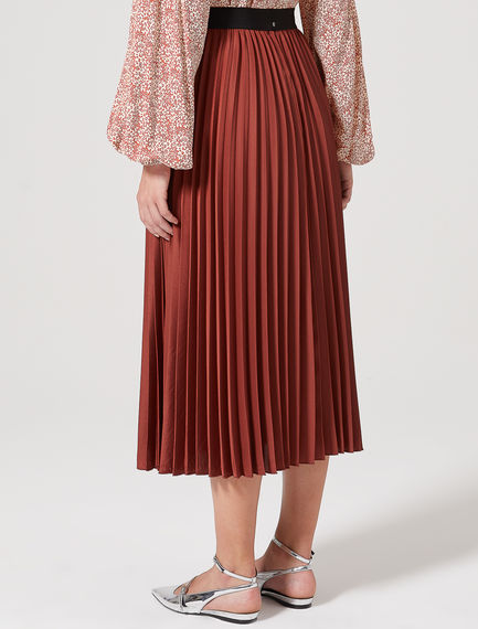 Lustrous Sunray Pleat Crepe Skirt