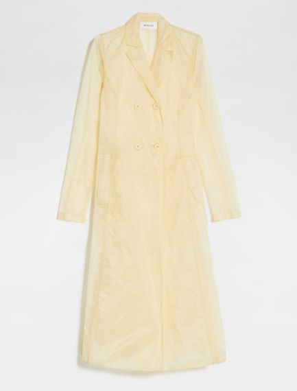 Shaped trench coat