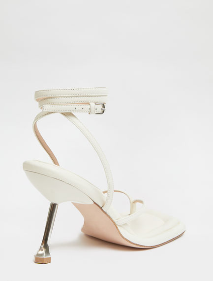 Transparent insert-embellished toe-post sandals
