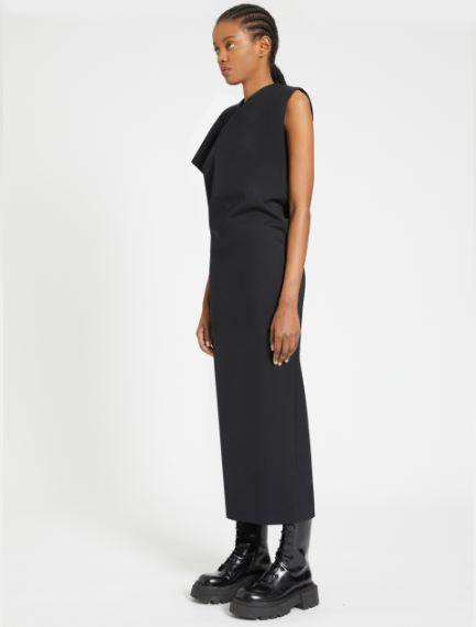 Long dress with asymmetrical shoulder detail