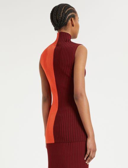 Sleeveless knit top