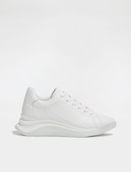 Sneaker in vitello